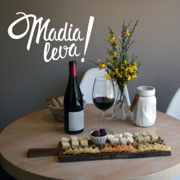Logotipo MadiaLeva Restaurante en Santiago de Compostela. Eva García Alende.