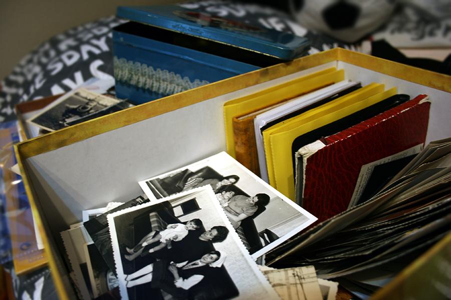 Caja de fotografías antiguas de mi abuela